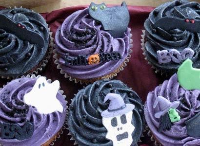 32073_molly_bakes__halloween_cupcakes