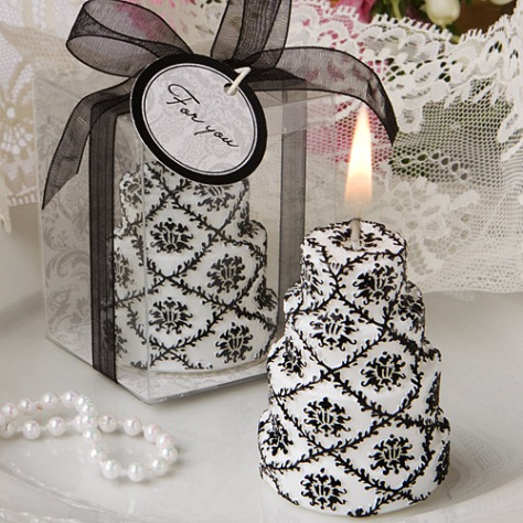 Damask_Wedding_Cake_Candle_L