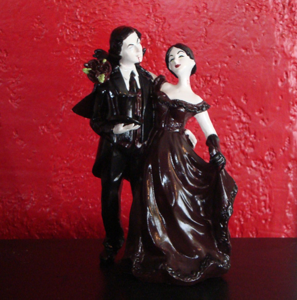 Gothic And Unusual Cake Toppers Alternabrides